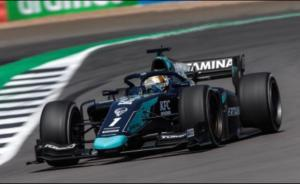 Tantangan ban soft Sean Gelael di sirkuit Silverstone Inggris