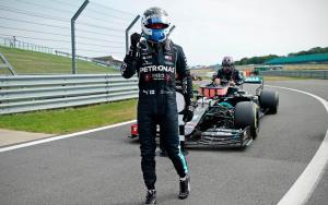 Valtteri Bottas (Finlandia/Mercedes) usai kalahkan Lewis Hamilton di kualifikasi 70th Anniversary GP 2020. (Foto: thetelegraph)