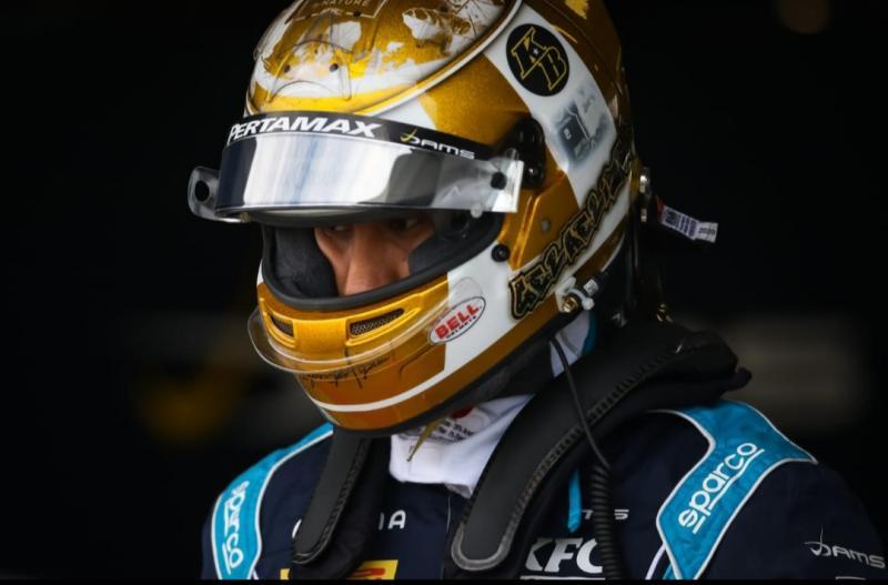 Sean Gelael diganggu masalah teknis pada mobil balapnya di sirkuit Silverstone Inggris