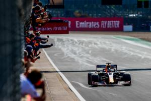 Kemenangan perdana Max Verstappen di Sirkuit Silverstone. Lanjut ke Barcelona pekan ini? (Foto: redbull)
