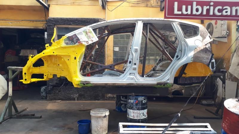 Pembangunan 2 mobil sprint rally besutan Arce Meyer dari Whooosah Tuning