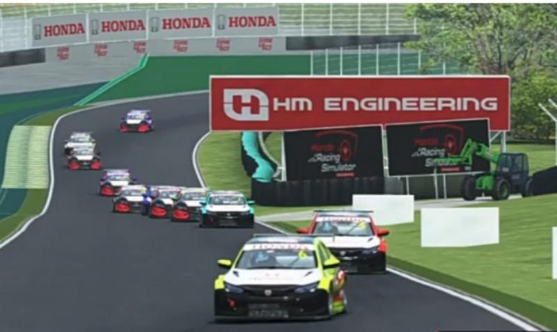 Daffa AB (paling depan) dalam balapan seri 4 Honda Racing Simulator Championship di sirkuit Interlagos, Sao Paulo