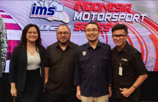 Ketum IMI Pusat Sadikin Aksa bersama pejabat MetroTV saat launching IMS 2020 di MetroTV, Kedoya, Jakarta Barat
