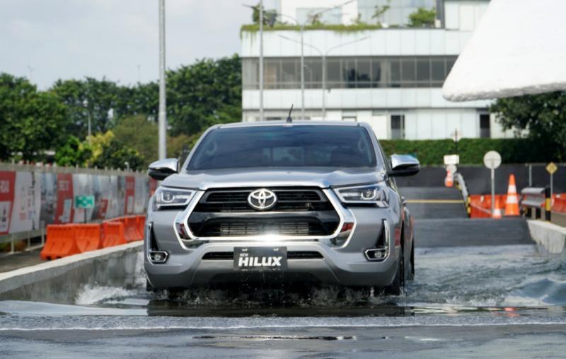 Toyota New Hilux memperoleh pengembangan spesifikasi di beberapa bagian untuk meningkatkan kenyamanan berkendara.