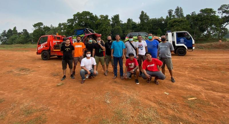 Formasi Soegama Racing Team saat latihan di Serang, Banten