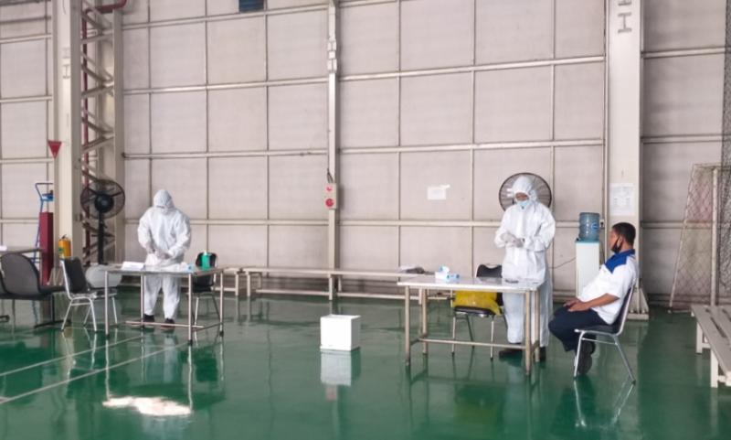 Pemberlakuan protokol kesehatan diperketat untuk karyawan maupun tamu di pabrik Suzuki Tambun 1 Bekasi