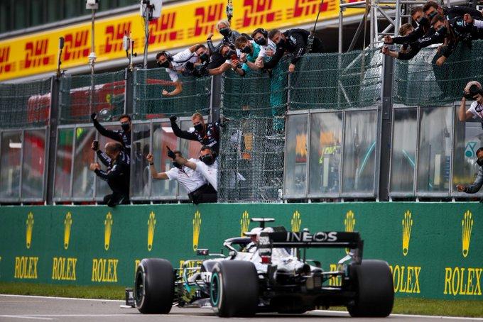 Lewis Hamilton (Mercedes), tinggal dua kemenangan lagi menyamai rekor Michael Schumacher. (Foto: f1)