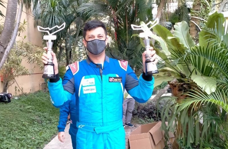 Umar Abdullah, balapan terberat karena mobilnya sempat ngebul namun akhirnya bisa mencetak double winner