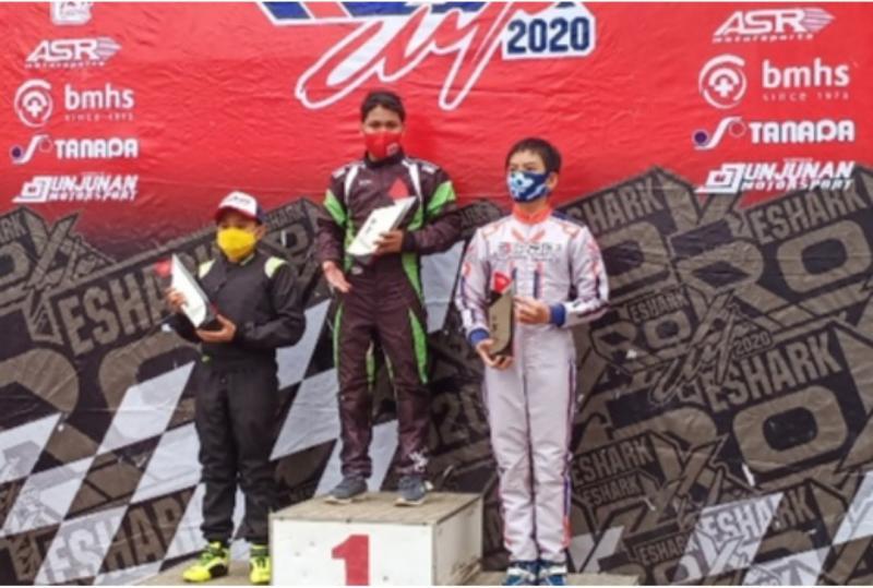 Dari kiri Kanaka Gusasi, Daffa AB dan Michael Orlando di podium Junior Rok Latber Eshark Rok Cup 2020 seri 3