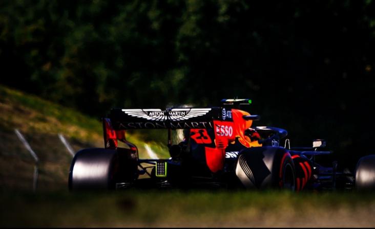 Mobil Max Verstappen yang bermasalah alami insiden di F1 Tuscany Italia