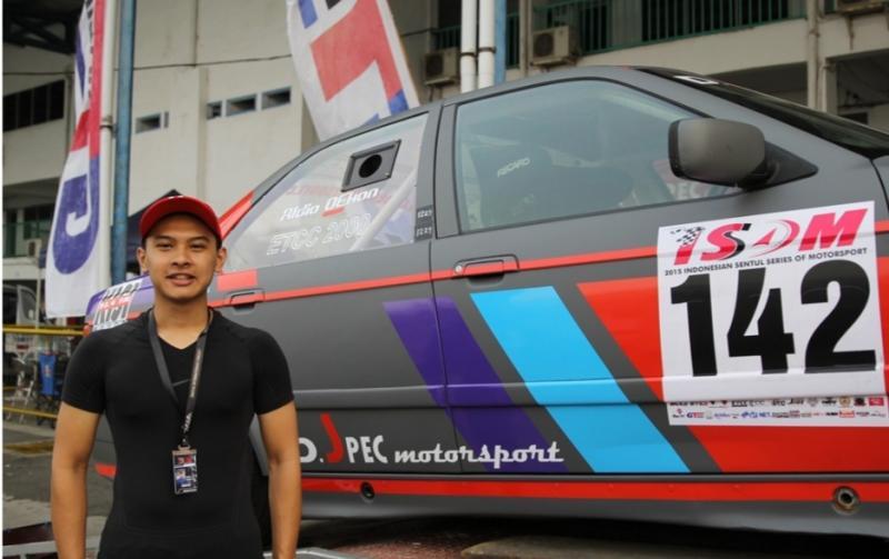 Pembalap mobil nasional Aldio Oekon membuka usaha auto detailing DMO Garage Jakarta