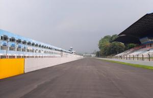 Pengaspalan ulang Sentul International Circuit diharapkan Fino Saksono sekalian perbarui kerb dan clipping point