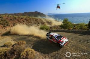 Elfyn Evans (Toyota), kemenangan kedua musim 2020 setelah Rally Swedia. (Foto: motorsport)