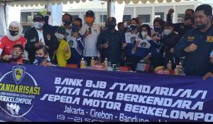 Bank BJB Standarisasi Tata Cara Berkendara Sepeda Motor Berkelompok dihadiri Bambang Soesetyo, Jeffrey JP dan Wakil Bupati Bekasi. (Foto2 : nanang baso)