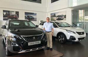 Teuku Edi Syahputra selaku kepala cabang Astra Peugeot BSD.