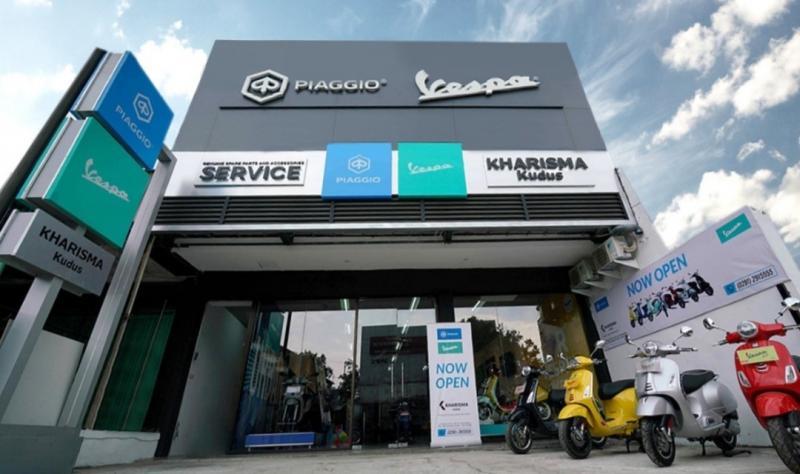 Diler Piaggio di jalan Ahmad Yani merupakan kawasan komersial utama di kota Kudus Jawa Tengah