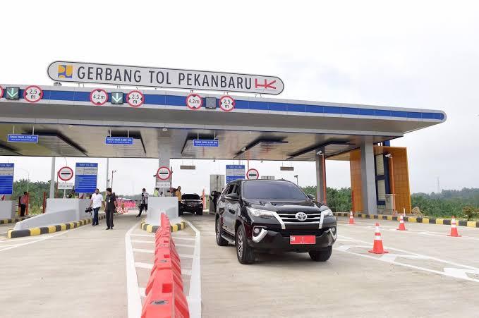 Tol Pekanbaru-Dumai resmi beroperasi setelah diresmikan Presiden Jokowi