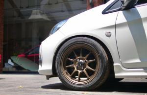 DnZ Wheels Type One membawa desain jari-jari palang 10 yang dirancang sedemikian rupa agar tetap terlihat celong