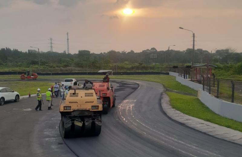 Pengaspalan ulang Sentul International Circuit pada Selasa (29/9/2020) sore