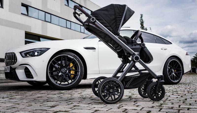 Stroller bayi keluaran Mercedes-Benz yang diberi mama AMG. (foto : MB)