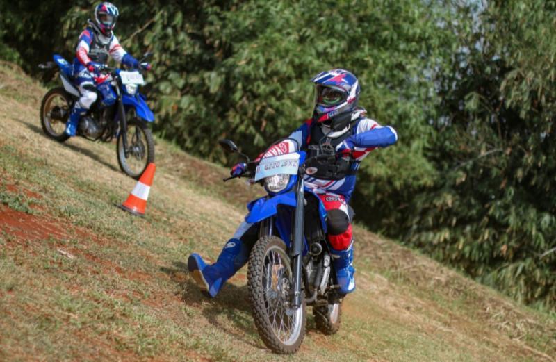 Yamaha Riding Academy memiliki panduan teknik riding yang tepat bagi konsumen yang saat ini makin suka mengendarai WR 155 R.