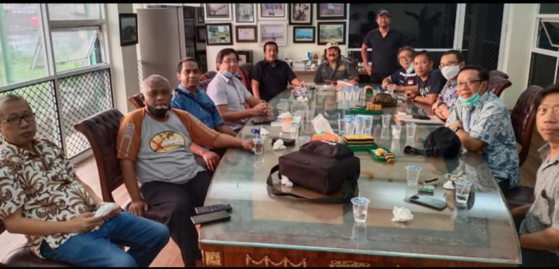 Rapat pengurus Indonesia X-Country Explorer di sekretariat Jalan Veteran, Bintaro, Jaksel, Rabu (14/10/2020) sore