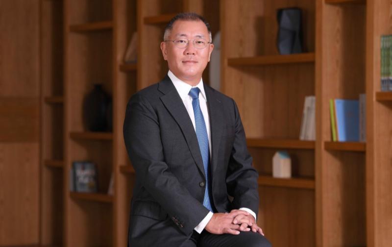 Executive Vice Chairman Euisun Chung dilantik menjadi Chairman of the Group pada Kamis (15/10/2020)