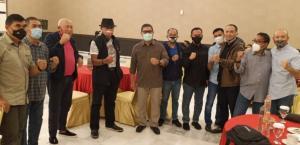 Para tokoh otomotif dan Ketua IMI Provinsi bersama Letjen TNI AM Putranto pada acara silaturahmi di Bogor, Selasa (20/10/2020) malam