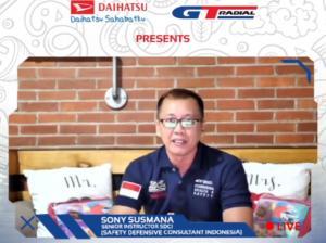 Sony Susmana bos Safety Defensive Consultant Indonesia memberikan pencerahan tentang Eco Driving yang dihelat Daihatsu dan GT Radial