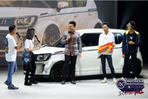 Harold Donnel (tengah) dari PT Suzuki Indomobil Sales di IMX 2020
