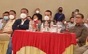 Ijeck (tengah) diantara AM Putranto dan Prasetyo Edi Marsudi di acara silaturahmi Highland Park Bogor Selatan