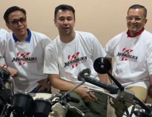 Raffi Ahmad (tengah) siap mempopulerkan Mandalika Racing Team MotoGP Indonesia