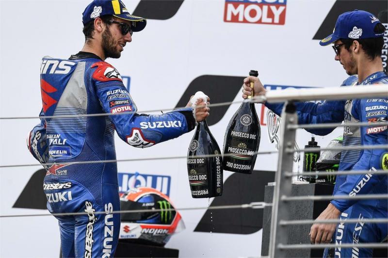 Double podium beruntun di Aragon, Suzuki di puncak 2 katagori kejuaraan 2020. (Foto: suzuki)