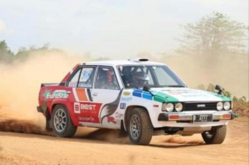 Erwin Mancha saat melakoni sprint rally di Meikarta dengan Corolla DX kesayangannya. (foto: ist)