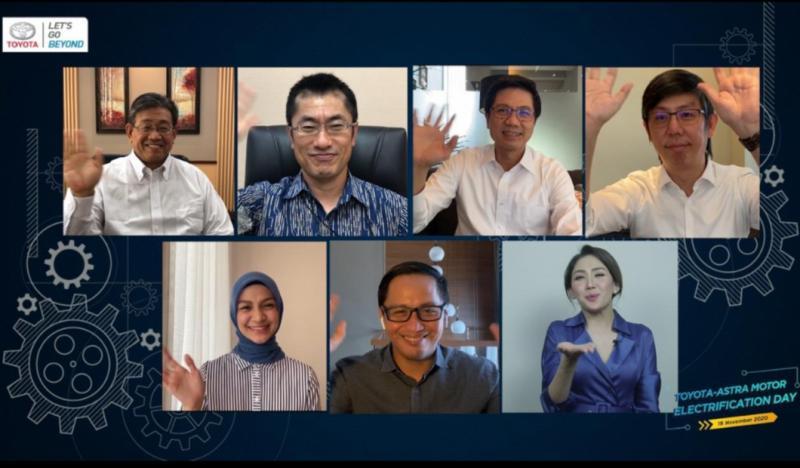 Kazunori Minamide, Anton Jimmi Suwandy dan teman-teman PR PT Toyota Astra Motor pada preskon virtual hari ini