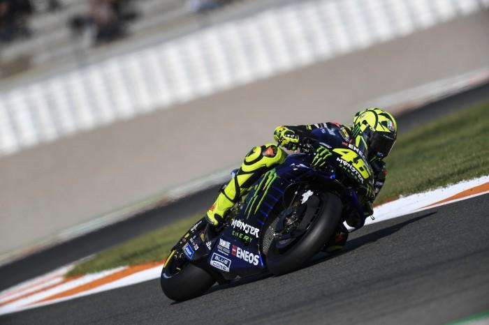 Valentino Rossi (Italia/Yamaha) songsong perpisahan di Portimao. (Foto: bikesportnews)