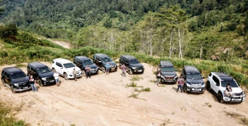 Dua komunitas Chevrolet bersiap menjelajah pulau Sumatera. (foto : ist)