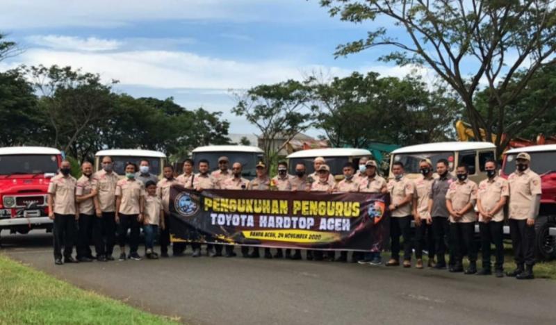 Semangat tinggi anggota setelah pengukuhan pengurus Toyota Hardtop Aceh. (foto : ist)