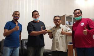 Eryanto Subaktiawan (kedua dari kiri) telah menerima rekomendasi dari BPBD Kab Pandeglang dan IMI Banten