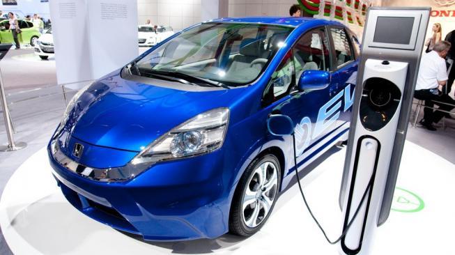 Penjualan kendaraan bermesin listrik alami peningkatan selama 2020 menurut data Gaikindo. (foto : ist)
