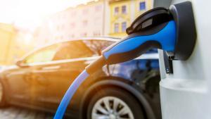 Regulasi mobil listrik di Indonesia harus lebih jelas, dan kemudahan skema pembayaran.