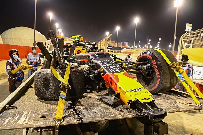 RB16 besutan Alex Albon yang berantakan, memaksa kru begadang untuk perbaikan. (Foto: autosport)