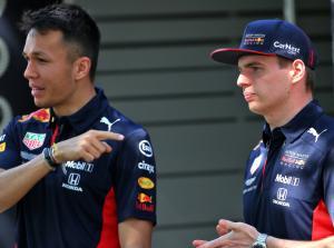 Alex Albon dan Max Verstappen,  memang tak harmonis. (Foto: ist)