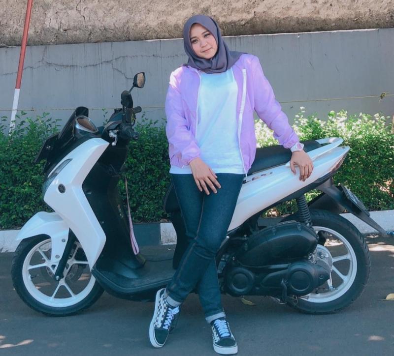 Lady biker Selva Marissa, mengaku terbantukan dengan kehadiran aplikasi My Yamaha