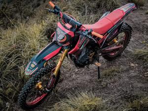 Paket lengkap Scarlet Racing untuk motocross dan motor trail