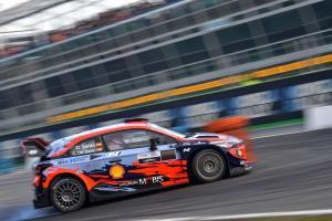 Dani Sordo (Hyundai), sementara memimpin hingga hari kedua Monza Rally 2020. (Foto: wrc)
