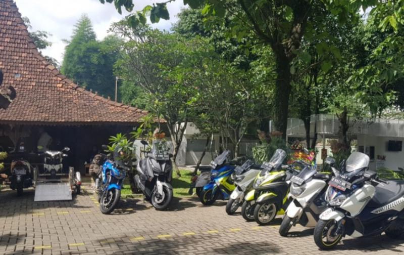 Resto Solo Bogor dengan bangunan Joglo, menu khas dan halaman luas, jadi tempat transit baru biker Jakarta dan Bandung