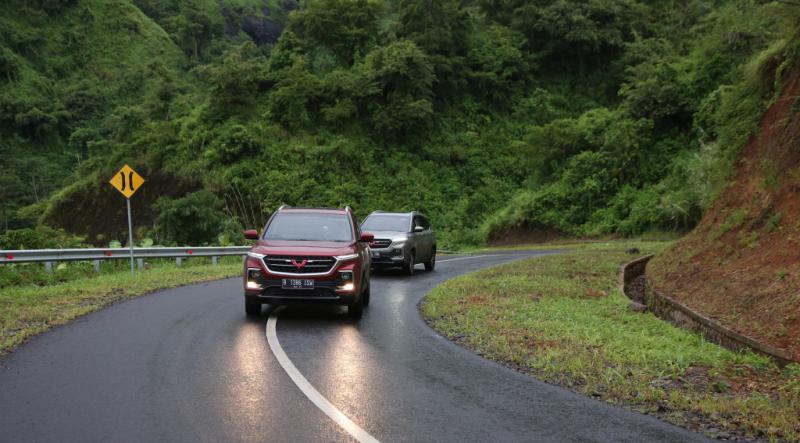 Wuling Almaz memiliki fitur Hill Hold Control untuk jalan menanjak (foto: ist)