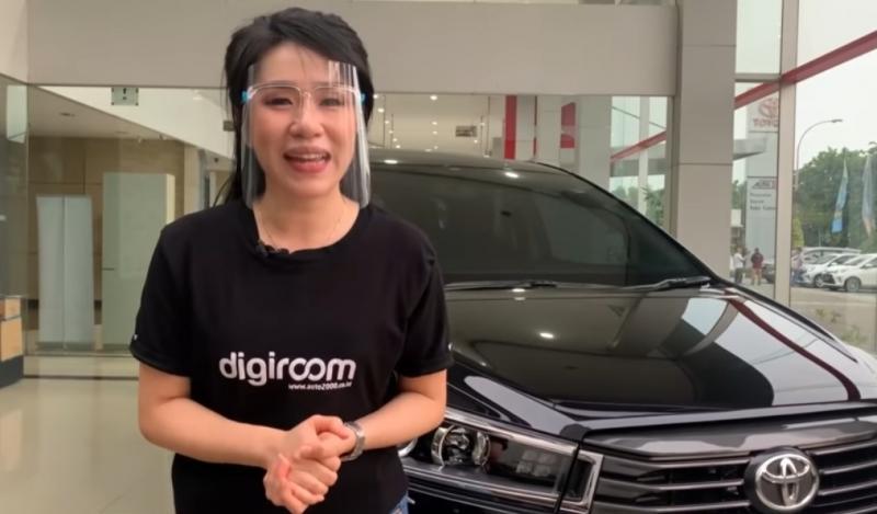 Evie selaku Counter Sales Auto2000 Tangerang mereview Kijang Innova 2020 tipe V diesel 2.400cc