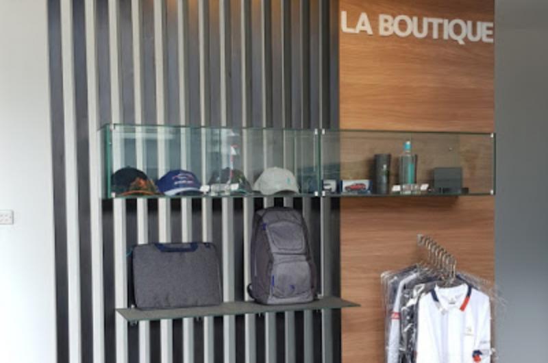 Peugeot La Boutique sediakan apparel dan merchandise bagi pecinta Peugeot